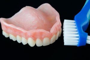 How to care your Dentures